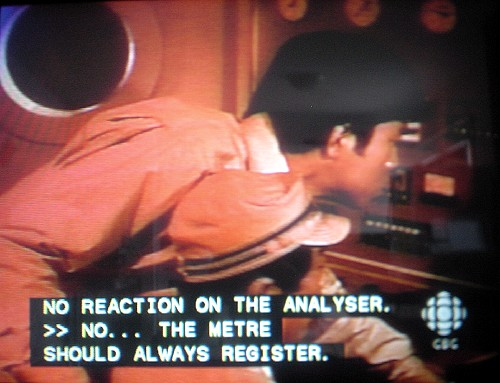 Captions read: NO REACTION ON THE ANALYSER. >> NO. THE METRE SHOULD ALWAYS REGISTER