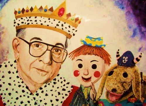 Mr. Dressup in crown, Casey, Finnegan
