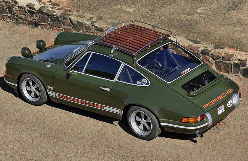 Overhead view of green911 shows roof rack